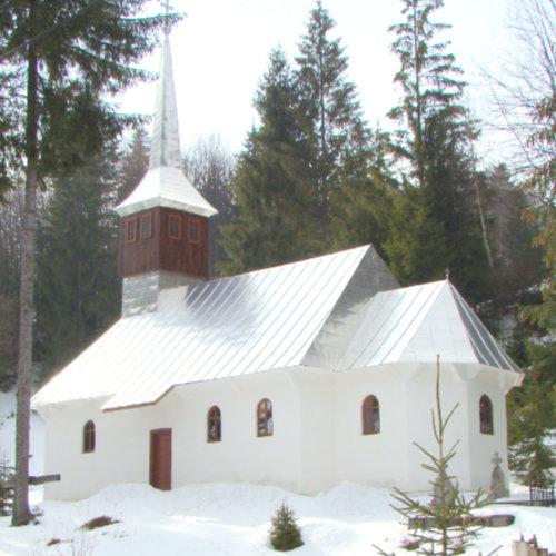 Bisericuță veche de peste 200 de ani în Gârda de sus - peste deal de Avram Iancu.