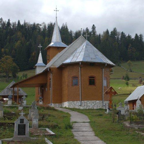 Biserică Ocoale - credință în Țara Moților.