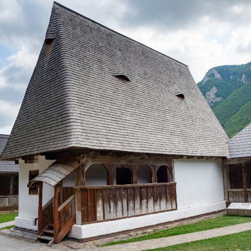Casa Memorială Avram Iancu - istoria Țării Moților acasă la Craiul Munților în Apuseni.