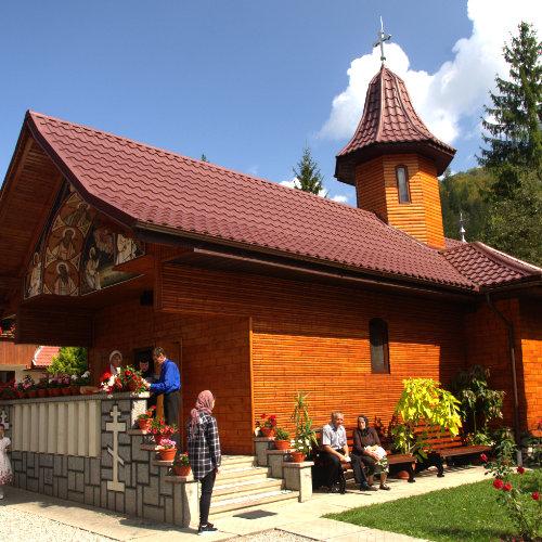 Credință în Țara Moților la Mănăstirea Sfântul Ilie - la 20 de kilometrii de Arieșeni