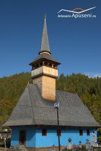 Biserica de lemn din Gârda de sus - lângă Arieșeni - are peste 200 de ani vechime.