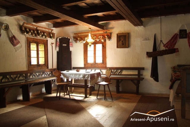 Casa memorială Avram Iancu - leagănul și fluierul Iancului. În vizită la casa marelui erou din Apuseni.