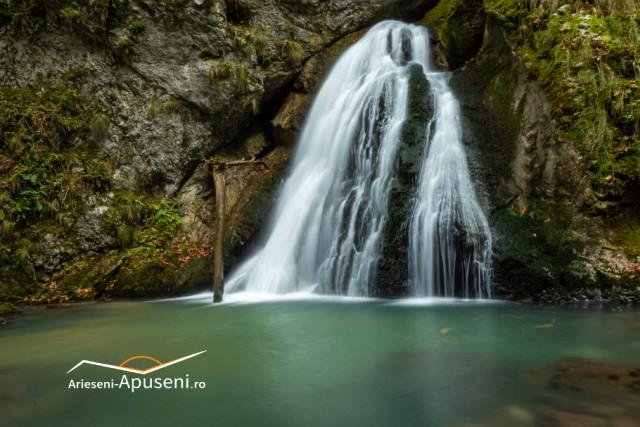Cascada Evantai din Cheile Galbeni - Munții Apuseni.