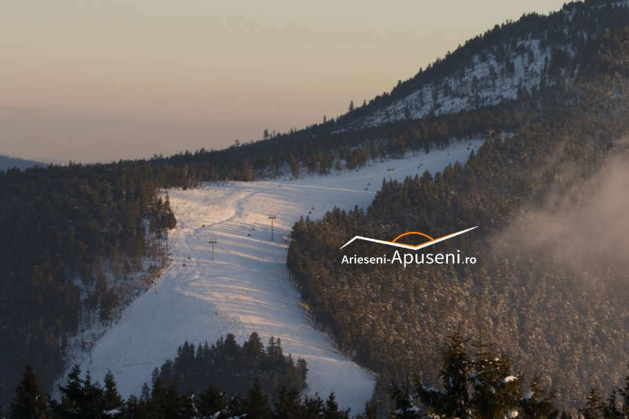 Obiectiv turistic Arieseni-Apuseni: Pârtia Piatra Grăitoare